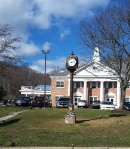 Putnam Valley Street Clock